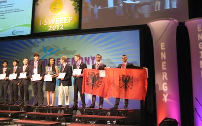 Olimpiada e Fizikes ne Amerike, Shqiptaret medalje bronxi.