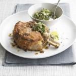 Si të gatuajmë bërxollë vici me krustë parmigiano e shoqëruar me salcë jeshile italiane